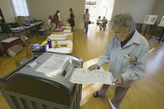 senior-planet-senior-voting-at-the-poll
