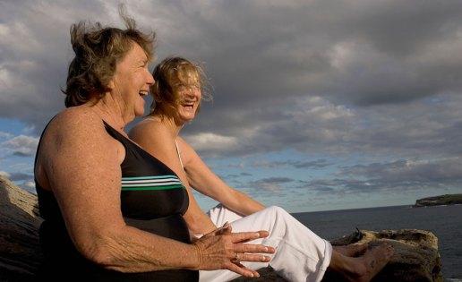 senior-women-friendship