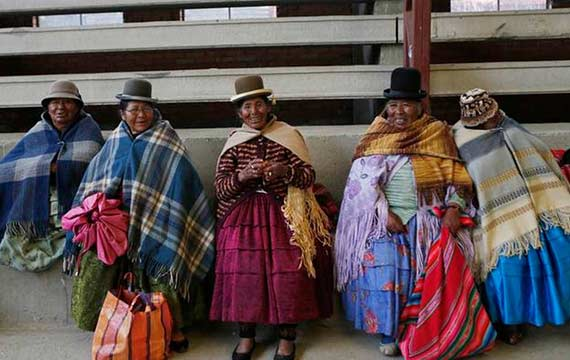 aymara-handball-players