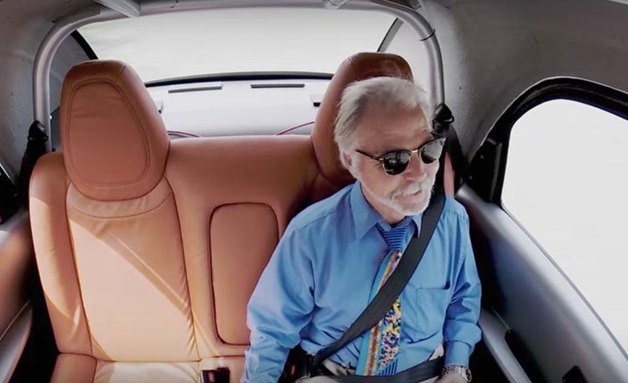senior-in-driverless-car