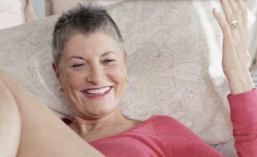 omgyes-older-woman
