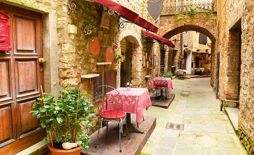 cafe-in-florence-italy