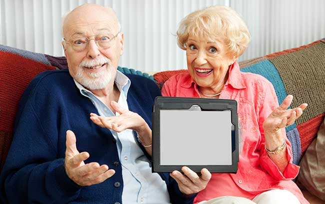 seniors-confused-by-tablet